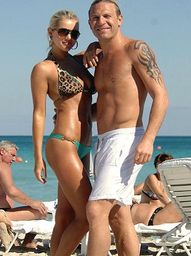 Зимой Воронин с супругой Юлей отдохнул в Майами, а летом собирается наведаться в Одессу.
