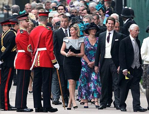 Гости постепенно собираются на церемонию. Фото АП.