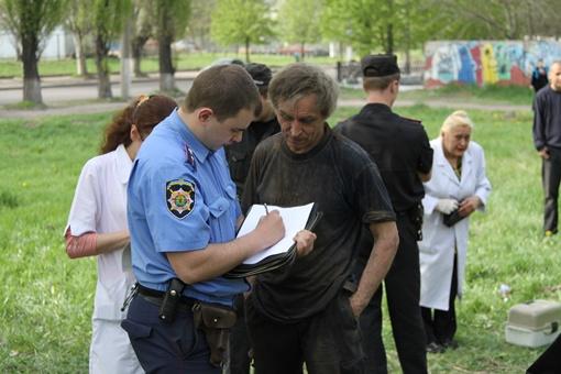 Не удалось избежать и составления протокола. Фото: Павел Колесник.