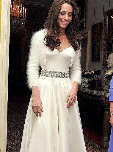 Оказалось, что скромницу Кейт желает не только ее венценосный супруг, но и добрая половина мужского населения планеты. Фото Daily Mail.