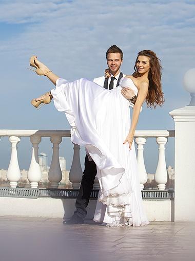 Макс и Анна вместе уже более двух лет, а поженились только три месяца назад.