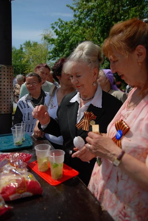 После него в парке Металлургов будет организовано выступление творческих коллективов города и солдатская кухня.