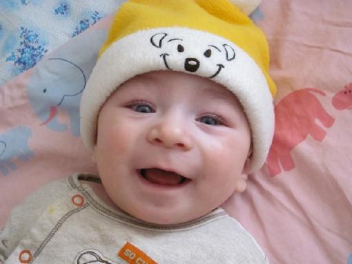 Когда я в Huggies, смеется даже шапка. Пашнюк Егор, 10 мес.