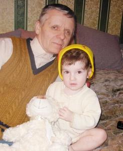Александр и Александра: наш финалист с любимой внучкой.