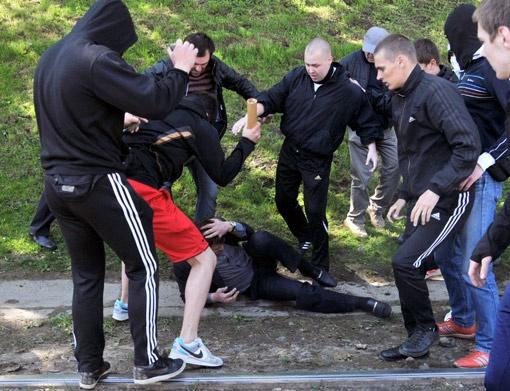 По данным милиции, во львовских «сражениях» пострадали 14 человек.