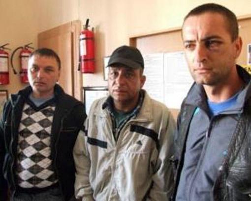 Трое из пострадавших рыбаков.