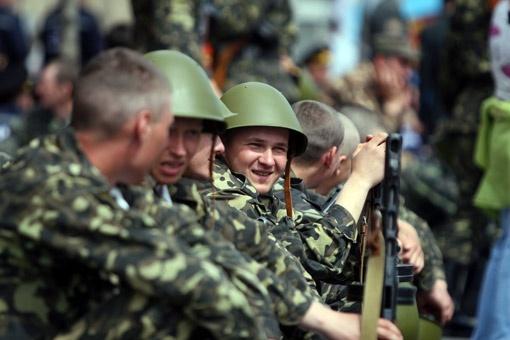 Этой весной 20 тысяч юношей пополнят ряды Вооруженных сил Украины.