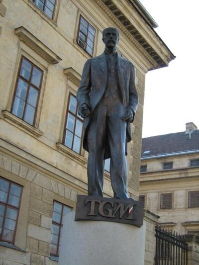 Чехословацкий президент похож на Ленина. Фото: philol.msu.ru