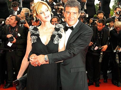 Супруги Мелани Гриффит и Антонио Бандерас вместе и дома, и на красной дорожке.