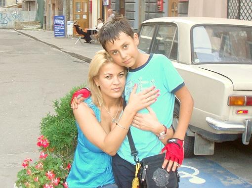 13-летний Виталик скоро станет еще одним ребенком футболиста. Официально.