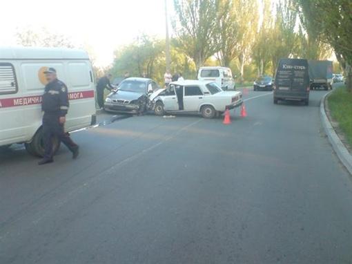 35-летний водитель  «ВАЗ-2107» неожиданно выехал на встречную полосу. Фото: ГАИ Донецка.