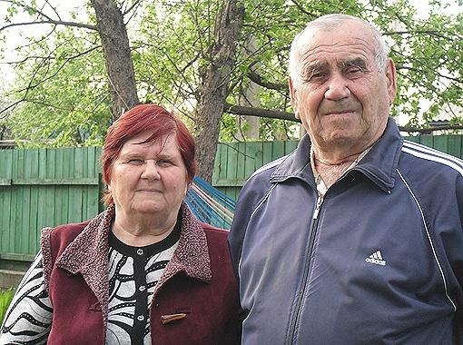 Родители космонавта Юрия Маленченко Нина Ивановна и Иван Карпович искренне радуются каждому успеху своего сына и гордятся его наградами.