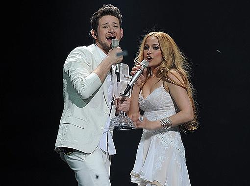Победил дуэт Ell & Nikki (Эльдар и Нигяр), а значит в следующем году