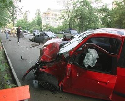 Четыре машины разбиты. Фото: magnolia-tv.com