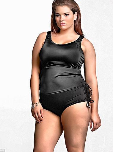 Размер одежды манекенщицы - 52-й. Фото Daily Mail.
