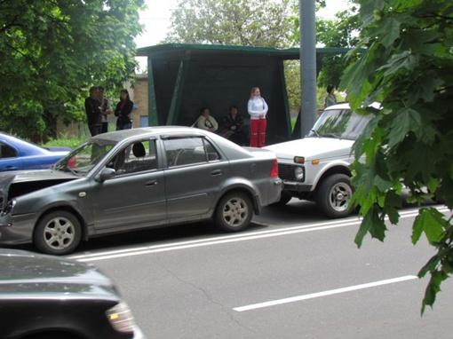 Авария возле произошла остановки. Фото: 0629.