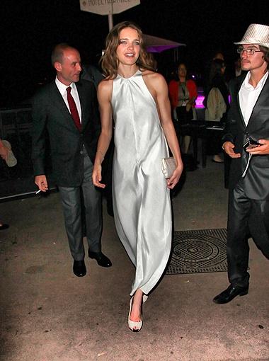 На первый взгляд платье Натальи Водяновой было закрытым и скромным... Фото Splash/All Over Press.
