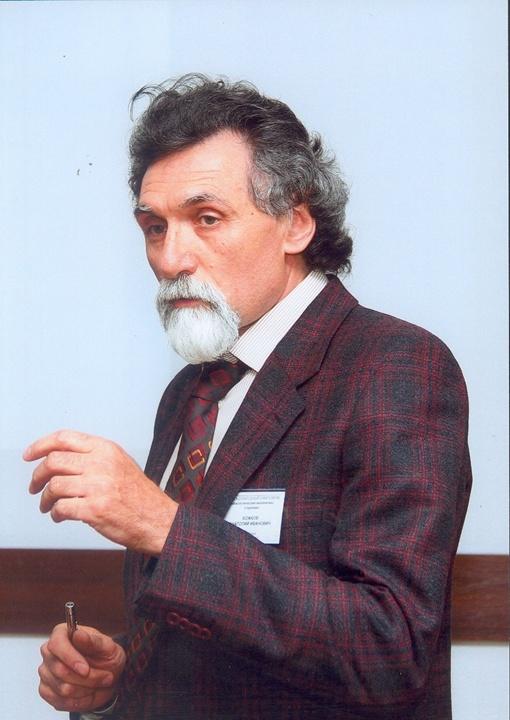 В ближайшие 15 - 20 лет для экспериментальных животных мы сможем увеличить продолжительность жизни в два раза,- рассчитывает Анатолий Божков.