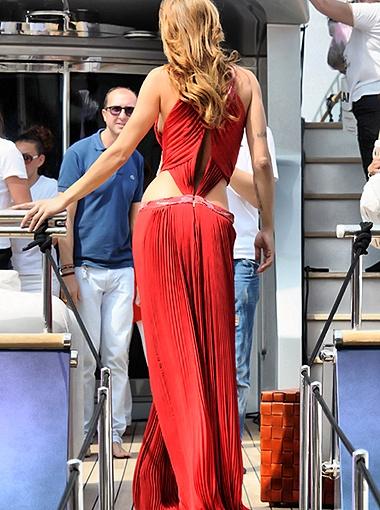 Канны замерли в восхищении, когда невеста Джорджа Клуни показалась на палубе. Фото Splash/All Over Press.