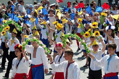 В Севастополе помпезно отметили День пионерии фото 4
