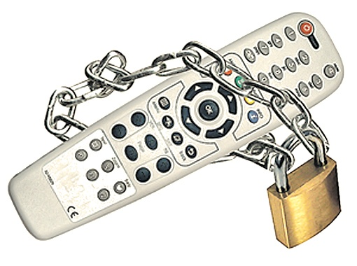 «Телевизор надо поставить в рамки».