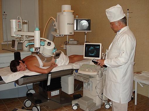 Метод литотрипсии избавляет от камней в почках без хирургического вмешательства с помощью современного швейцарского оборудования четвертого поколения.