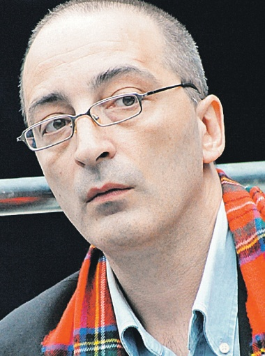 Старший сын Козакова Кирилл очень похож на своего отца. В последние годы они вместе работали над фильмом о Михоэлсе.