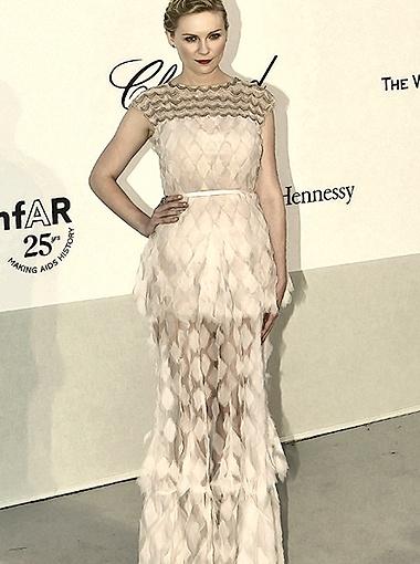 Кирстен Данст выбрала платье с прозрачным подолом. Фото Splash/All Over Press.