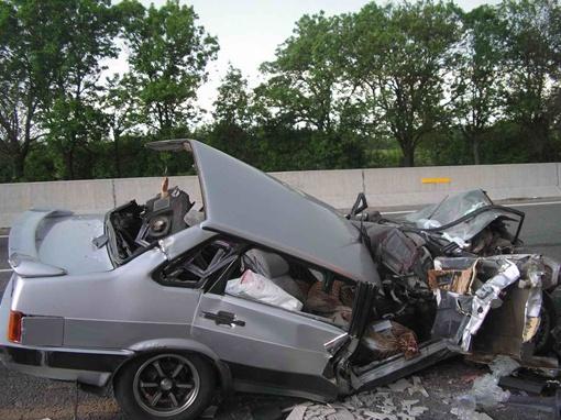 Скончался водитель, еще один человек травмирован.