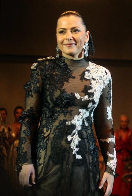 Илона Куц при подготовке каждой коллекции шьет себе свадебное платье, но всякий раз оно уходит в другие руки.
