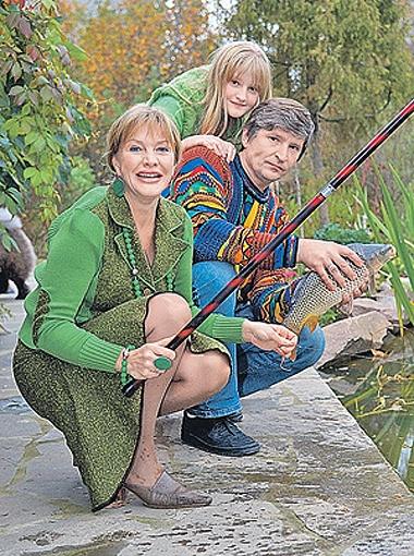 С мужем Андреем и дочкой Полиной Елена старается проводить как можно больше времени. Фото PHOTOXPRESS.