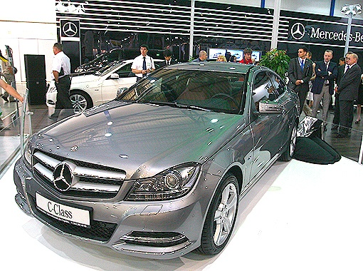 Mercedes C-Сlass: блеск и обаяние комфорта и технологий. Цена - от 29 тыс. евро (от $42 тыс.).