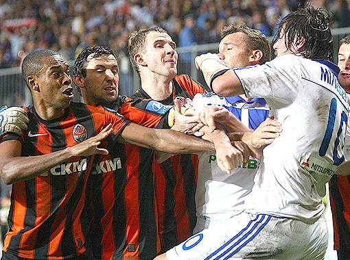 В отличие от матча драка завершилась вничью. Фото АП.