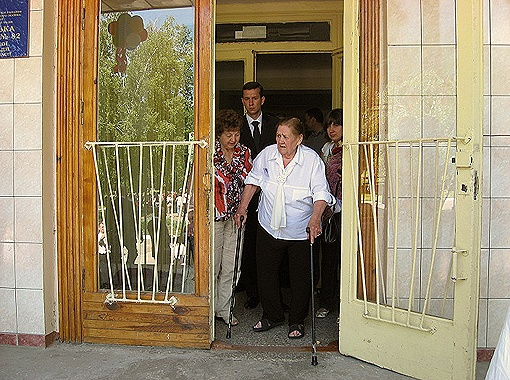 Учительница географии Ольга Борисенко в кабинет к мэру пришла с символичной