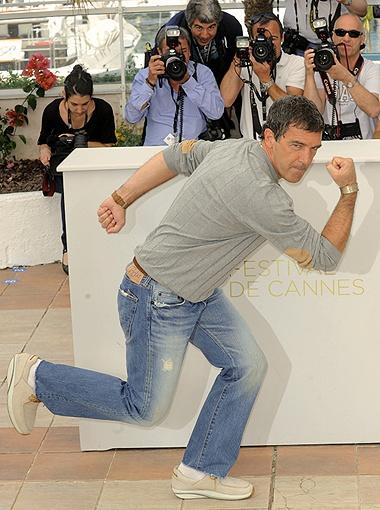 В отличие от своей супруги Антонио Бандерас бодр, великолепно выглядит... Фото All Over Press.