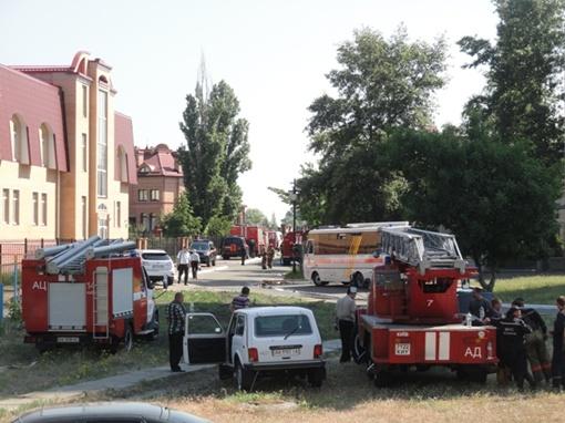 Пожарные приехали быстро, спасателей было много. Фото: generall.livejournal.com