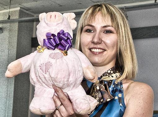 Смешная свинка от певицы Alyosha.