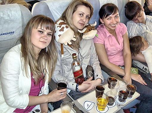Маша очень любила виски с колой. По всей видимости, этот коктейль ее и сгубил.