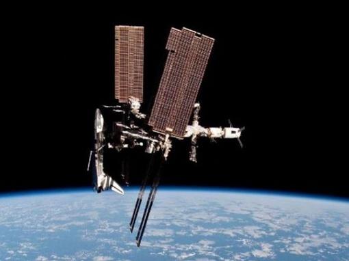 Снимок с расстояния в 200 метров. Фото астронавта Паоло Несполи.