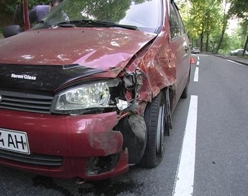 Машины не поделили дорогу и столкнулись на встречной полосе. Фото с сайта magnolia-tv.com.
