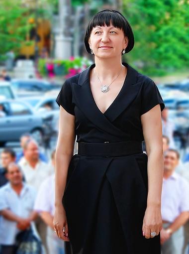Галина Герега вся в работе, но о маленьком отпуске все же мечтает.