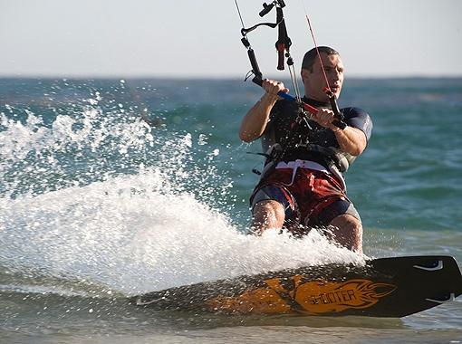 Виталию Кличко нравится «летать» по воде.