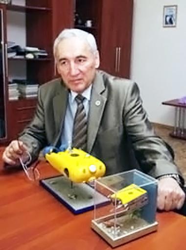 Проректор кораблестроительного университета Владимир Блинцов гордится, что украинские роботы конкурируют с японскими и американскими.