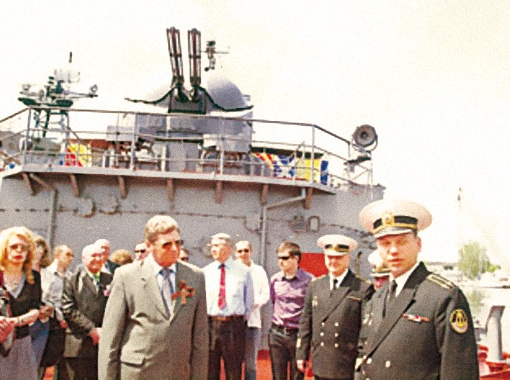 Во время захода в Николаевский порт десантного корабля «Константин Ольшанский»