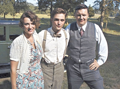 Илья (справа) в компании партнеров по фильму «Воды слонам!».