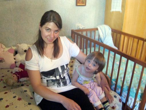 Яна надеется, что после реабилитации в санаториях ее Люда сможет ходить.