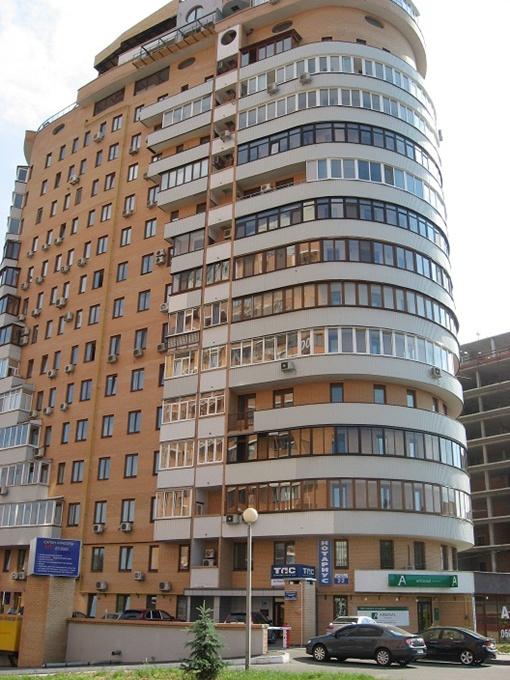 Многоэтажку в районе Саржина яра, где живет Роман Нехорошков, не обслуживает КП «Жилкомсервис».