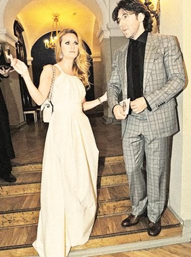 Андрей и Наташа сыграли свадьбу для себя, а чуть позже - для гостей.