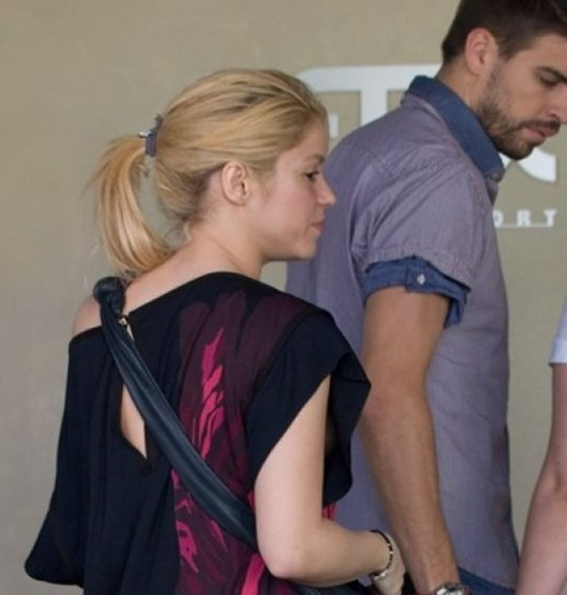 Шакира со своим парнем футболистом Жераром Пике. Фото SplashNews.