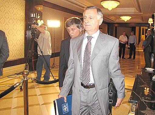Заместитель генерального директора Шахтера Анатолий Попов.